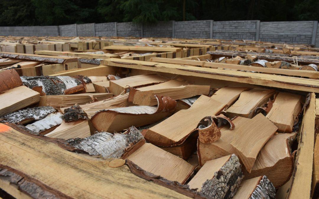 Šťípané dřevo (bříza) v paletách za akční cenu 1300,- Kč