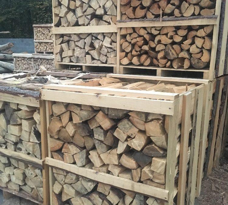 Suché štípané palivové dřevo smrk za akční cenu 1150Kč